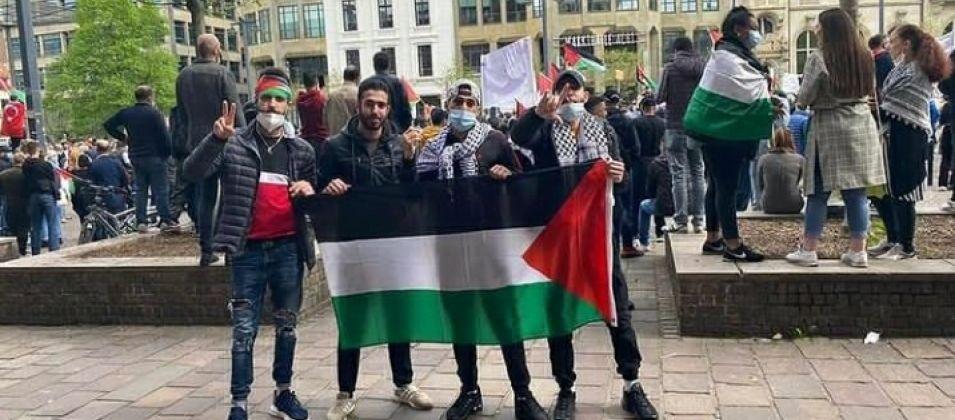 تظاهر عشرات المواطنين في العاصمة الألمانية نصرةً للشعب الفلسطيني